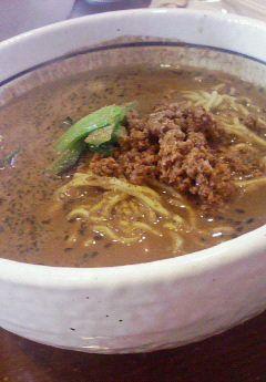 加納食堂坦々麺.jpg